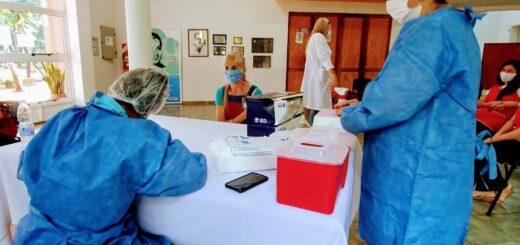 Se vacunaron docentes y directivos del nivel inicial en Montecarlo