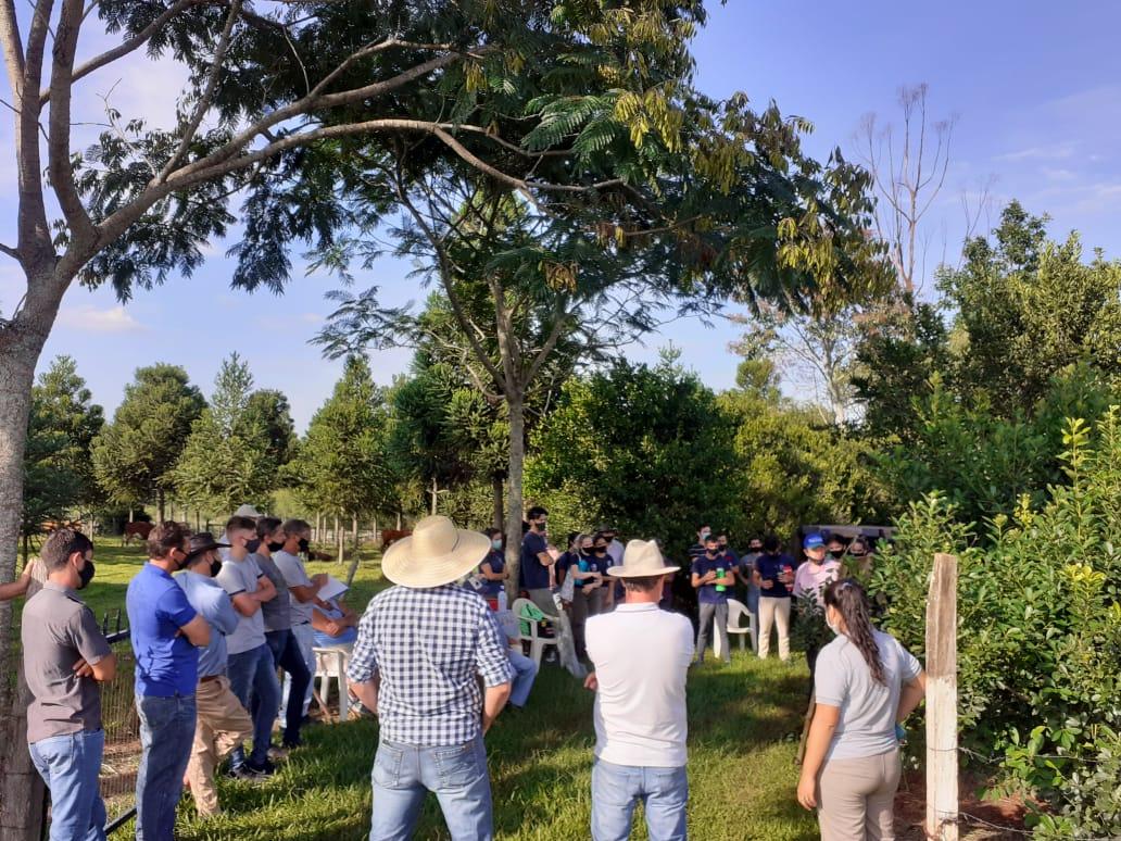 Jornada de yerba mate con productores, estudiantes y docentes del IEA