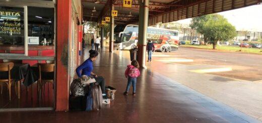 El movimiento en la terminal de ómnibus de Posadas continúa siendo escaso y esperan repuntar con el inicio de clases
