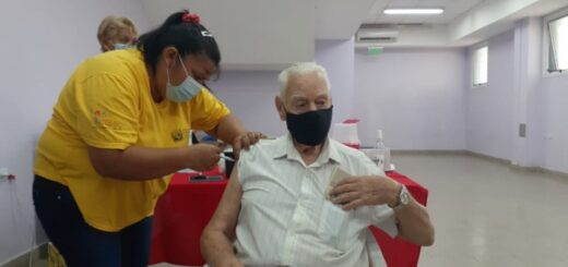 Vacunación en Misiones: hoy pueden solicitar turno los mayores de 65 años