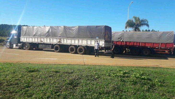 Interceptan otros dos camiones con 45 toneladas de soja ilegal en Misiones