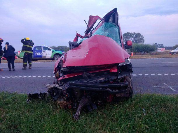 Tragedia en Ruta 9: un colectivo chocó con un auto y hay al menos tres muertos