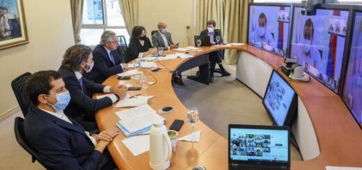 Tras una reunión virtual con gobernadores, el Presidente no anunció nuevas restricciones pero insistió en los cuidados frente a la pandemia de coronavirus