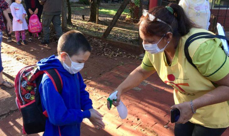 """Continuará la """"presencialidad cuidada"""" en escuelas de todo el país, pese al aumento de casos de coronavirus"""