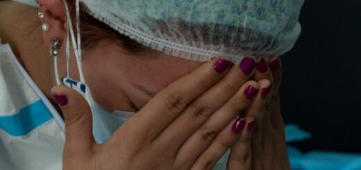 Al menos 3 mil enfermeras murieron por coronavirus en el mundo