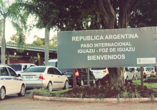 El gobierno cierra las fronteras hasta el 12 de marzo y recomienda postergar viajes