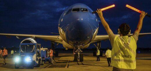 Partió el octavo vuelo de Aerolíneas Argentinas a Rusia en busca de más vacunas Sputnik V