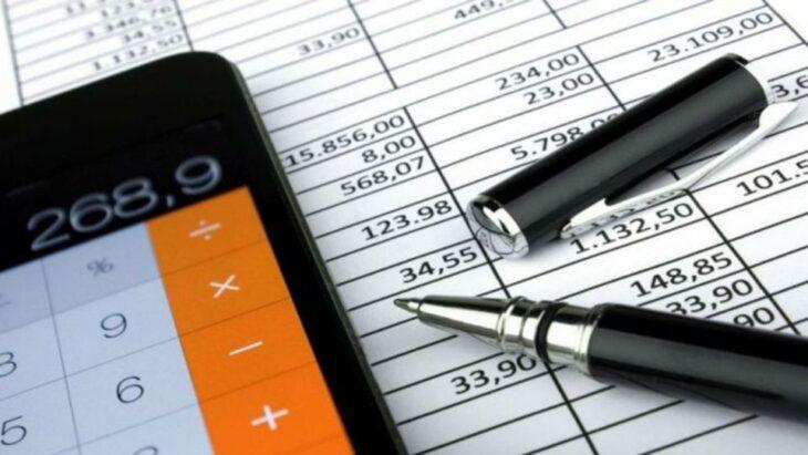 El peso del impuesto a las ganancias sobre salarios decrecientes