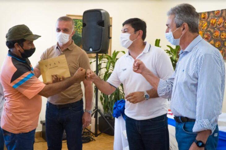 IFAI y Vicegobernación entregaron asistencia financiera e insumos a productores y emprendedores de Oberá