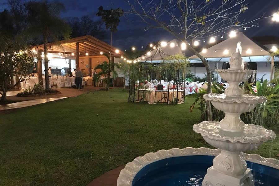 El Pueblito Iguazú Hotel Temático: 50% de reintegro con Previaje, 35% de descuento y 3 cuotas sin interés para una estadía inigualable