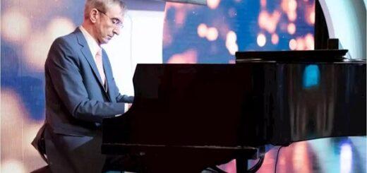El protagonista de una mesaza: Nelson Castro contó anécdotas increíbles y deslumbró al tocar el piano