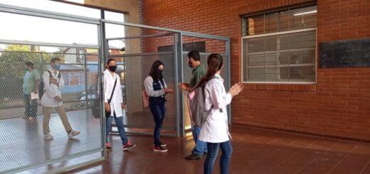 Inicio de clases en Misiones   En Puerto Iguazú, los chicos regresaron al aula en medio de protocolos, reuniones y expectativas