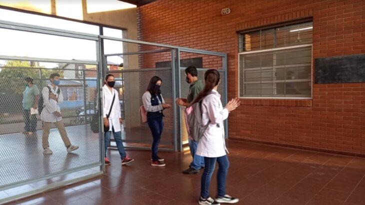 Inicio de clases en Misiones | En Puerto Iguazú, los chicos regresaron al aula en medio de protocolos, reuniones y expectativas