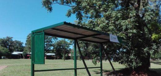 Posadas: repararon refugios de colectivos en Itaembé Miní