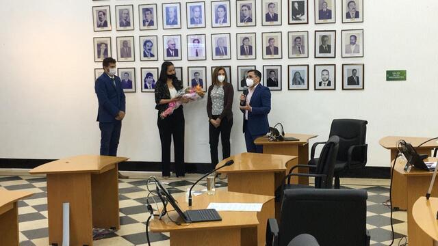 Caso Negrete: le otorgaron la medalla de valor a Iris Velázquez, la enfermera que le salvó la vida a Manuel Sánchez tras ser baleado y apuñalado