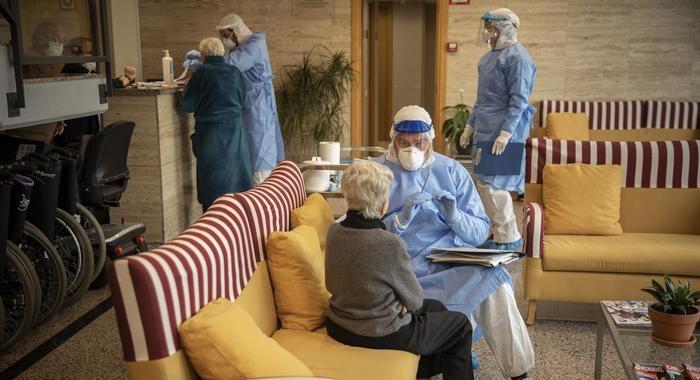 Detectan once casos de coronavirus en un geriátrico de Posadas