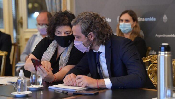 Epidemiólogos manifestaron preocupación por la saturación del sistema sanitario argentino y el estrés del personal de Salud