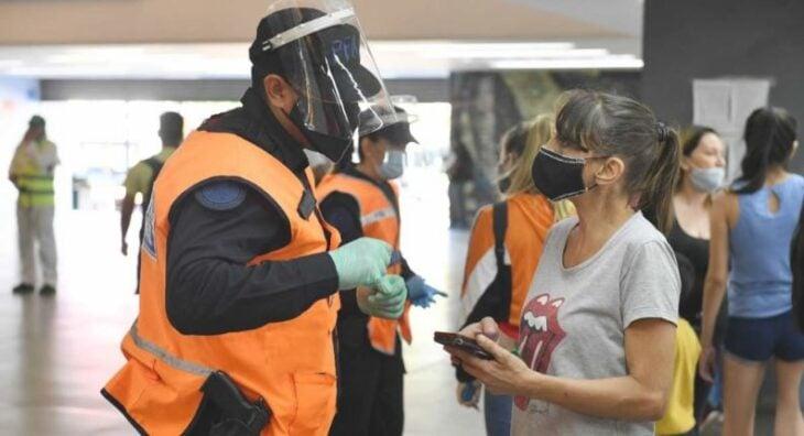 Coronavirus: con 23.683 nuevos casos, Argentina registró un récord de contagios diarios por tercer día consecutivo