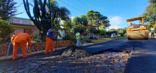Pavimento Urbano: Vialidad ejecuta más de 20 cuadras de asfalto sobre empedrado en San Javier