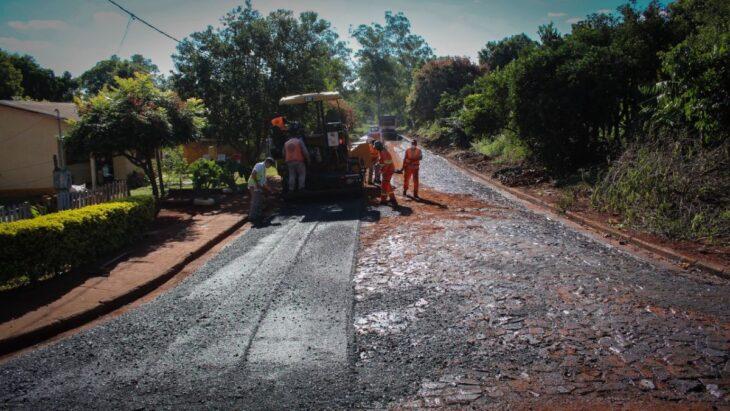 Tres Capones: Vialidad asfalta 15 cuadras en calles de la localidad