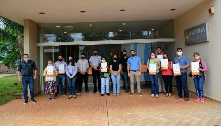 Entregaron títulos de propiedad en la delegación del IPRODHA Montecarlo