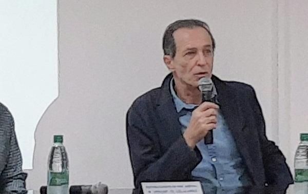 """Nicolás Kasanzew, periodista que cubrió en el frente la guerra de Malvinas: """"Todavía estoy prohibido en la televisión argentina, sigo pagando la factura"""""""