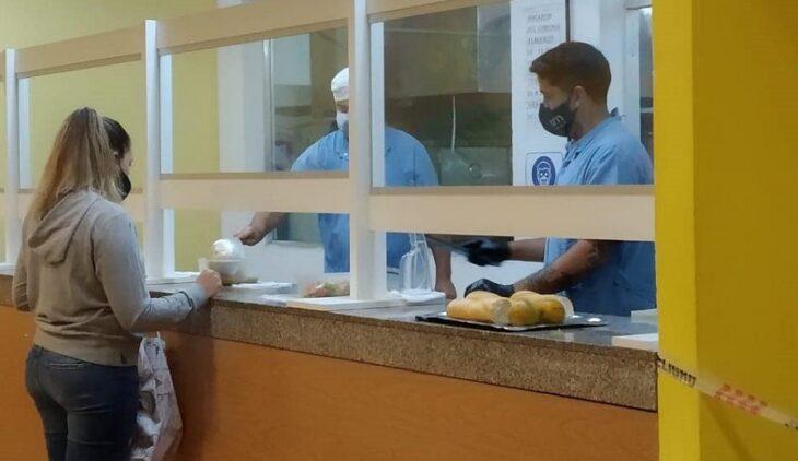 Con un variado menú, el comedor de la UNaM en Posadas comenzó a entregar cena para los estudiantes