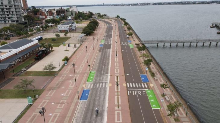 Demarcan lugares reservados de estacionamiento para motos y personas con discapacidad en la Costanera de Posadas