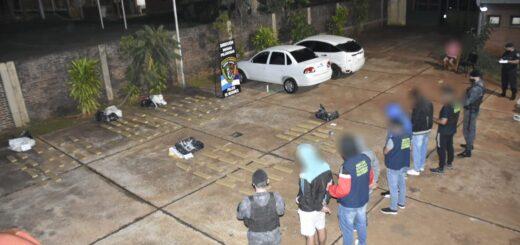 La Policía interceptó dos autos, detuvo a cinco hombres y secuestró 187 kilos de marihuana en Posadas