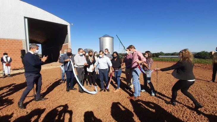Con la presencia del gobernador Oscar Herrera Ahuad, inauguraron secadores de granos para productores de Alba Posse