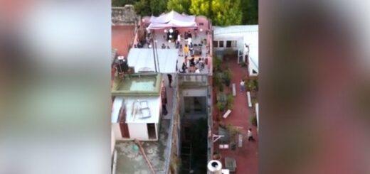 Buenos Aires: desbaratan una fiesta clandestina en la terraza de un hotel en Palermo