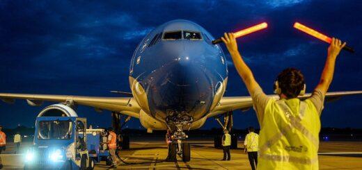 Coronavirus en Argentina: partió un nuevo vuelo a China en busca de 1 millón de dosis más de vacunas Sinopharm