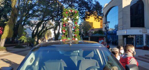 Posadas le rindió honor a Santa Rita de Casia con una caravana vehicular que recorrió la ciudad