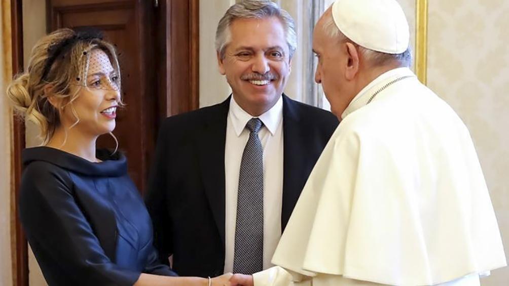 Alberto Fernández ya está en Roma: mañana se verá con el Papa