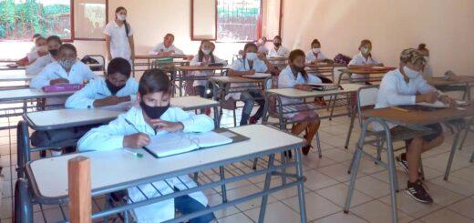 Programa de Viviendas Rurales del IPRODHA asistió a Escuela Nº 936 de Pozo Azul