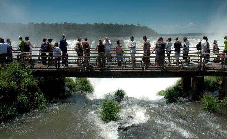 Con 250 comercios adheridos e importantes descuentos, comienza la primera edición del Black Friday en Puerto Iguazú