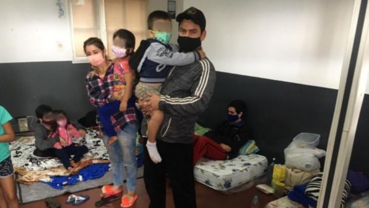 Migraciones autorizó el ingreso humanitario al país de las familias varadas en la frontera Encarnación-Posadas