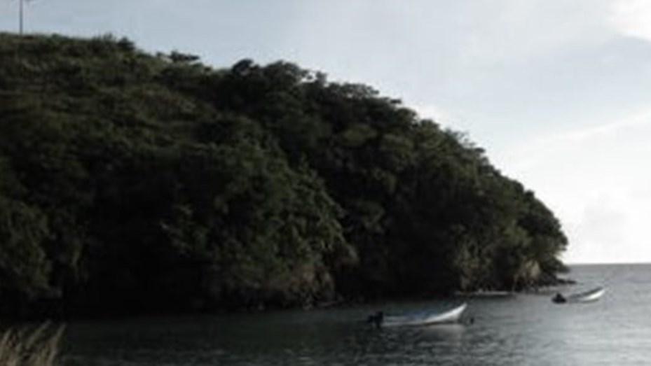 Encontraron un barco con 14 cadáveres apilados