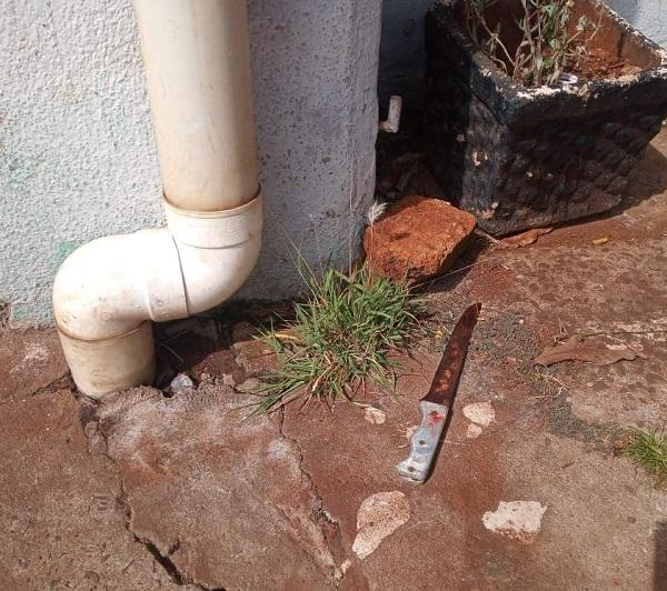 Detuvieron a una mujer que atacó con un cuchillo a un joven en el barrio VillaLonga de Garupá