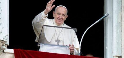 El papa Francisco agradeció al Presidente su mensaje en el que le deseó una pronta recuperación de la cirugía a la que fue sometido en Roma
