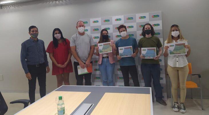 La Universidad del Conocimiento de Silicon Misiones entregó certificados a la segunda generación de alumnos egresados