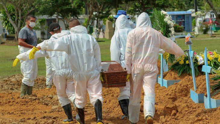 Con los hospitales al límite, aumenta la crisis por el coronavirus en Brasil
