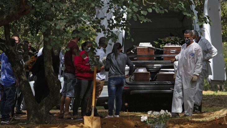 Brasil registra la mayor cifra de muertes por coronavirus en más de un mes
