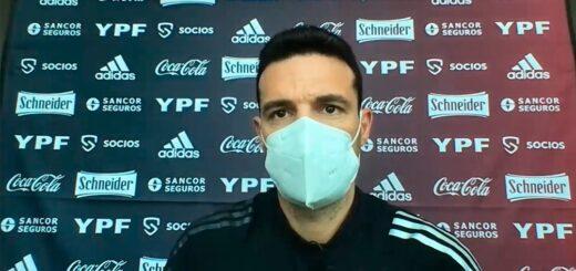 """Scaloni admitió que jugar con tres centrales ante Colombia """"es una posibilidad"""""""