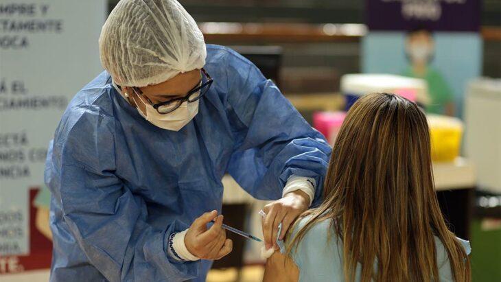 Vacunación en Argentina: el 40% de los mayores de 18 años recibieron su primera dosis contra el coronavirus