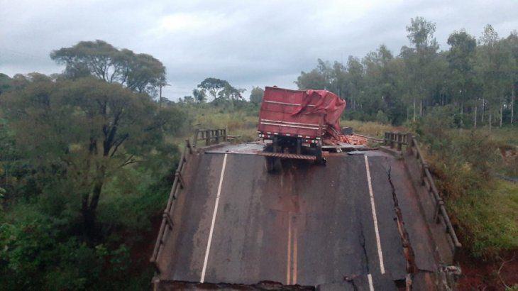 Se rompió un puente en Paraguay