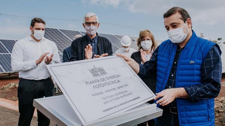 El gobernador Oscar Herrera Ahuad y el intendente Leonardo Stelatto inauguraron la planta de Energía Fotovoltaica en Posadas