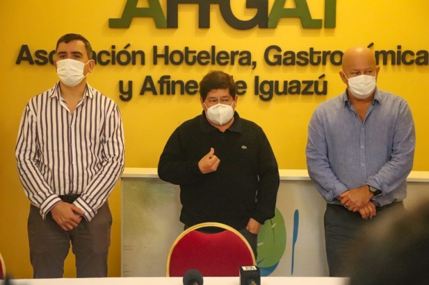 Iguazú: inició la inmunización a trabajadores del sector turístico contra el coronavirus