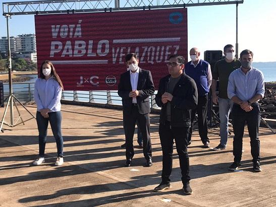 Pablo Velázquez realizó hoy su cierre de campaña en el monumento a Andresito