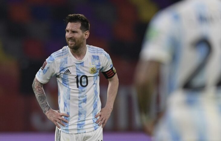 Eliminatorias: con público en las tribunas, Argentina visita a Colombia desde las 20